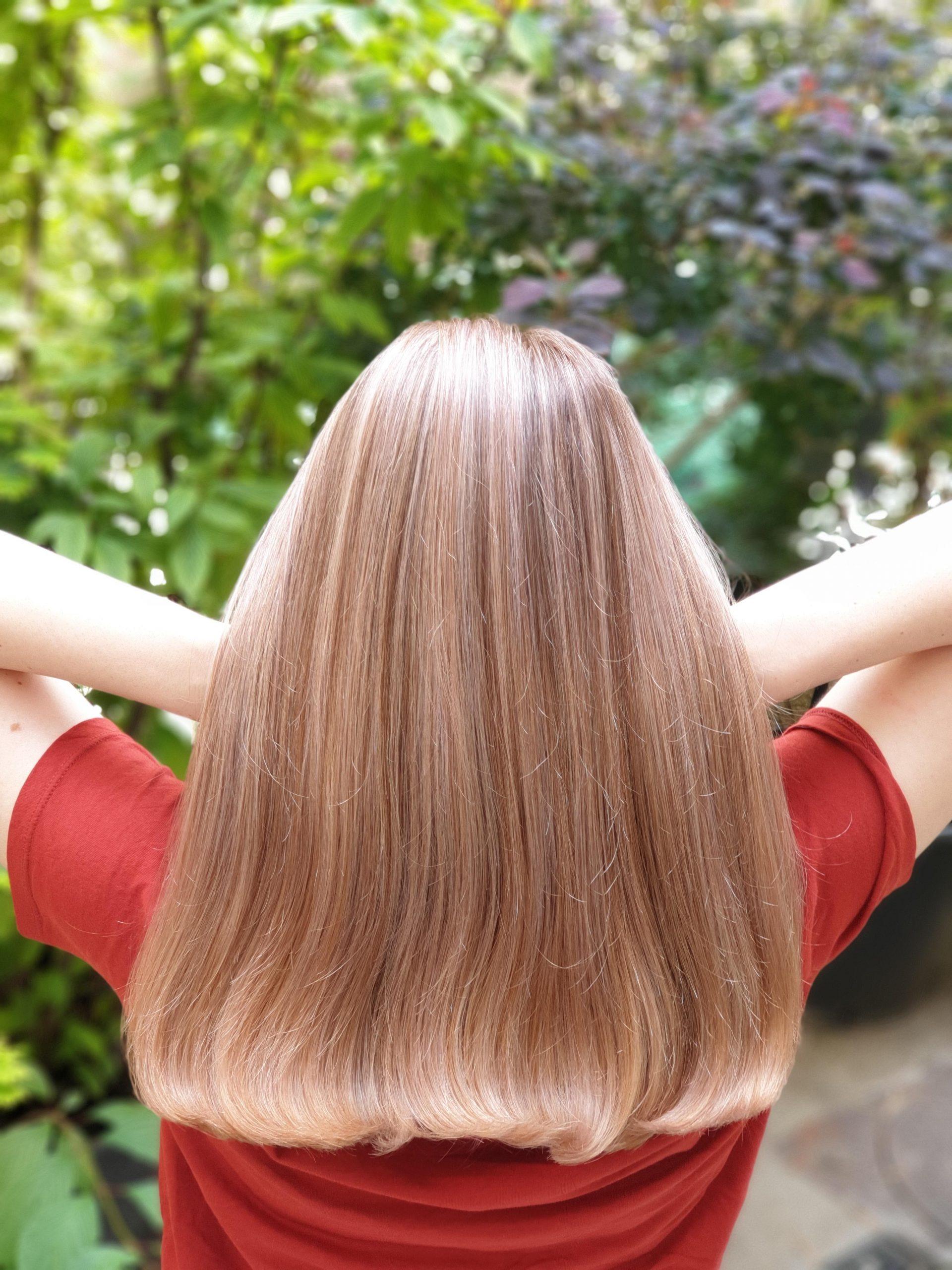 balayage pe blond deschis roze cu suvite blond mediu