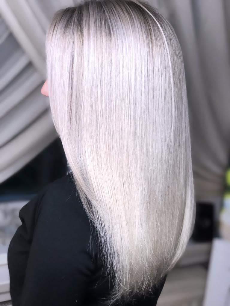 balayage cu blond alb argintiu