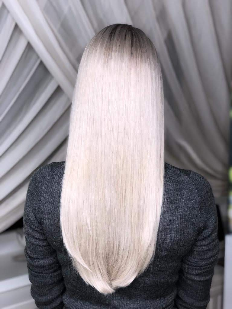 ombre cu blond foarte deschis