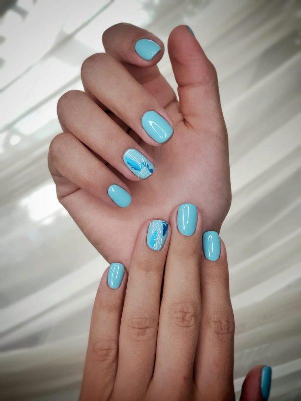 nail art albastru