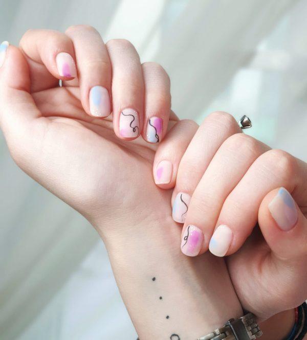 nail art minimal